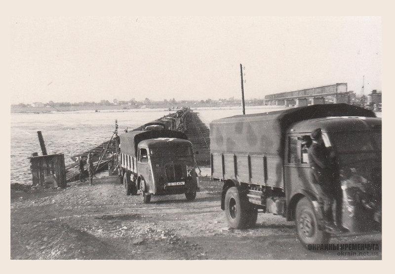 Грузовики Renault AGP из моторизованной дивизии СС «Викинг» Кременчуг 1941 год - фото № 1990