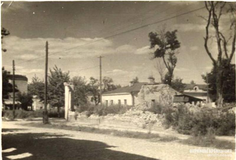 На углу улиц Киевской и Гоголя Кременчуг 1943 год фото номер 2061