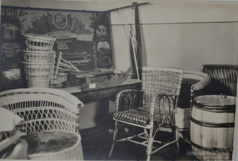 Экспонаты утиль-цеха Кременчугского лесхоза 1950 год фото номер 2109