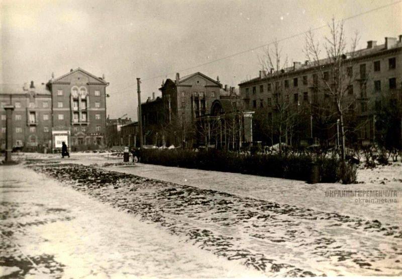 Сквер Октябрьский Кременчуг фото номер 2165