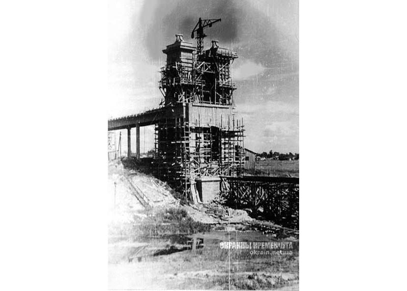 Строительство опоры Крюковского моста 1949 год фото номер 2185