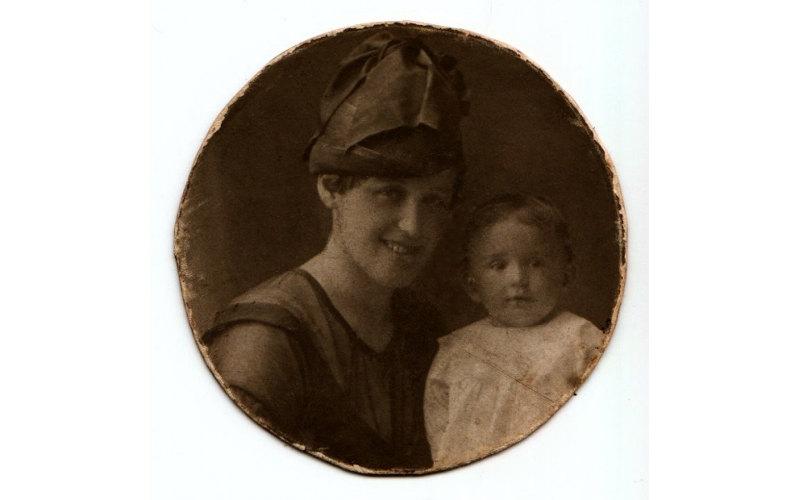 Шуйская Янина Пронасьевна с дочерью Мариной фото номер 2233