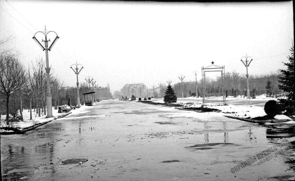 Главная аллея приднепровского парка фото номер 2245
