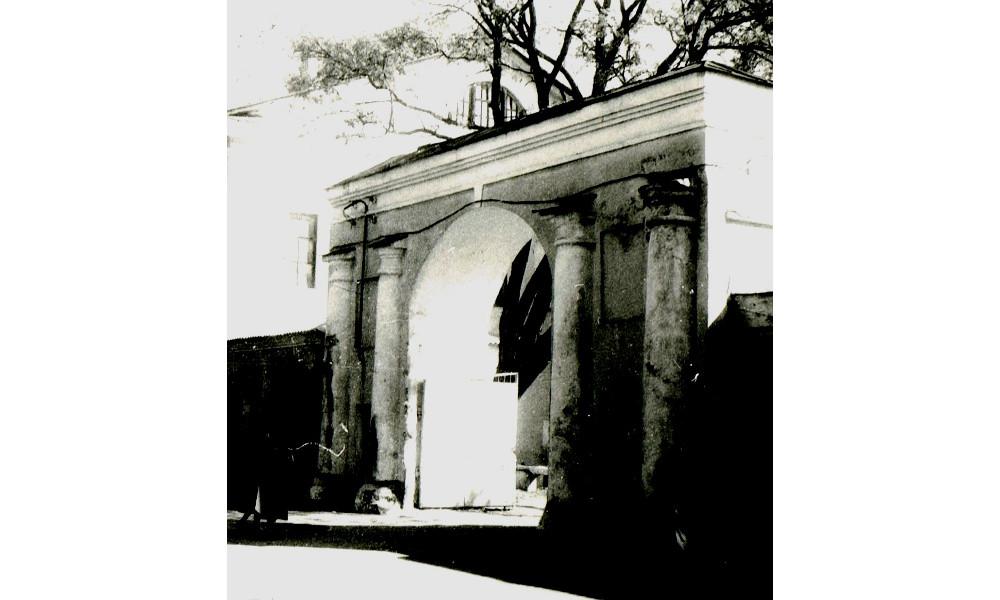 Ворота Крюковского интендантского склада 1993 год фото номер 2280
