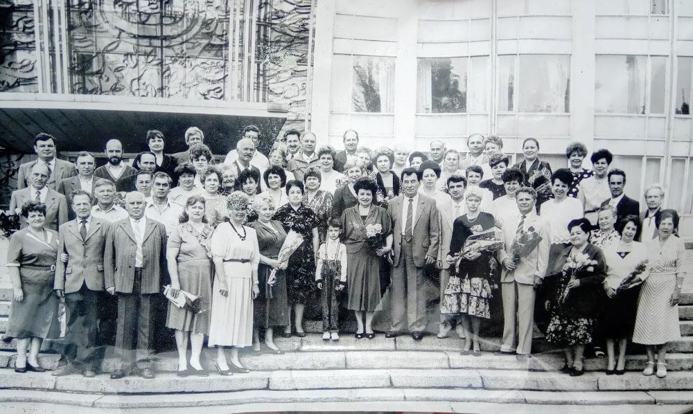 Работники трикотажной фабрики Кременчуг 1993 год фото номер 2325